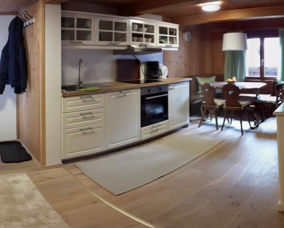 Wohnküche – Blick zum Flur
