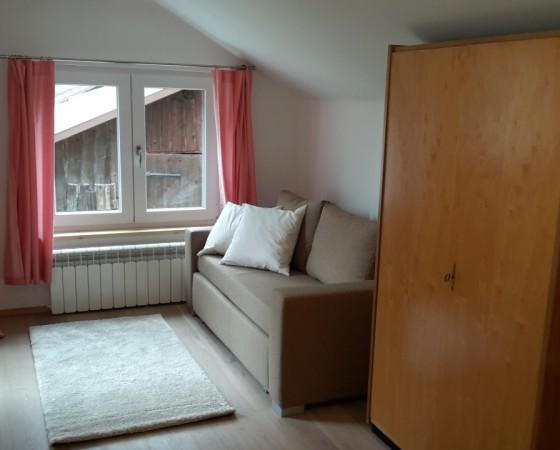 Schlafzimmer 1 – Blick auf Schlafsofa (2 Personen)